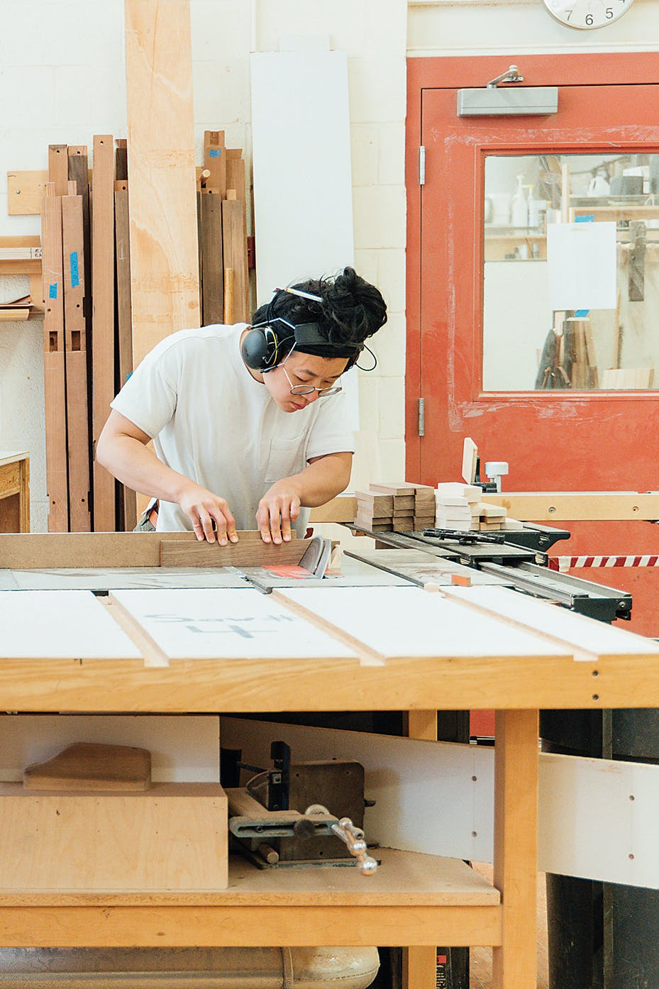 Wu Hanyen at work in studio