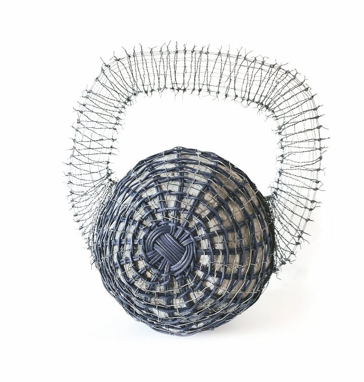 Woven sculpture of a kettle bell