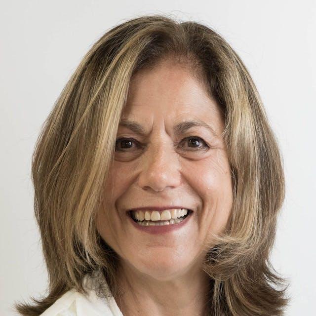Portrait of Linda Staphos Wosczyna