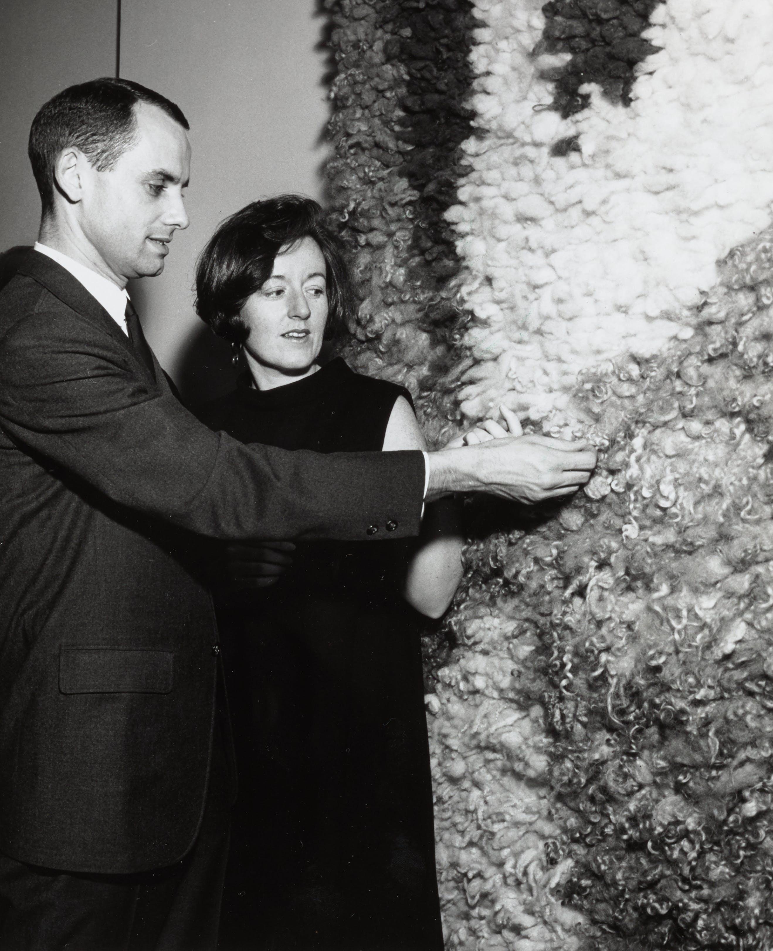 Glen Kaufman with Lois Moran in the exhibition Weavings by Glen Kaufman